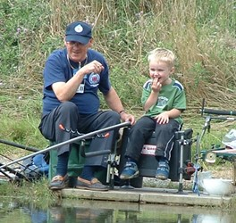 Glyn-Williams-and-wanna-be-angler